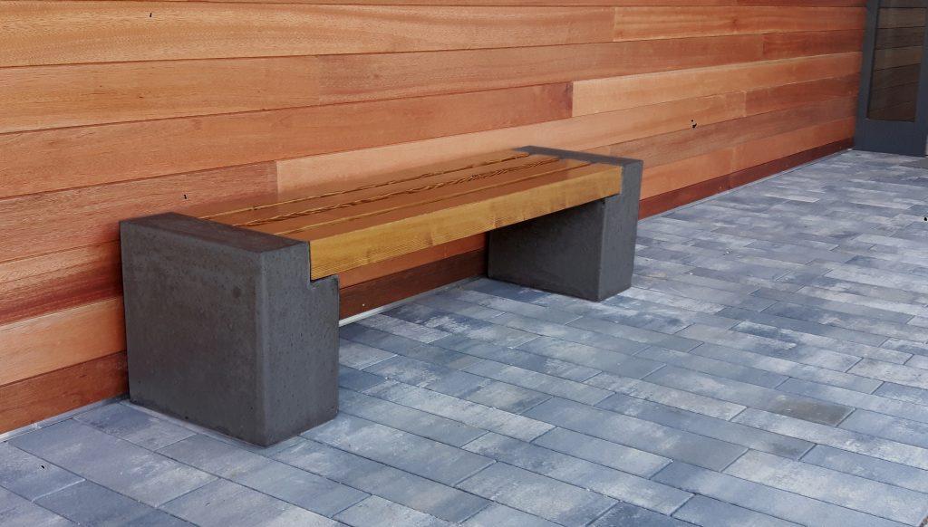 Solidne i trwałe ławki betonowe - obrazek